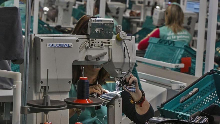 La pandemia se ceba con la industria del calzado y el juguete