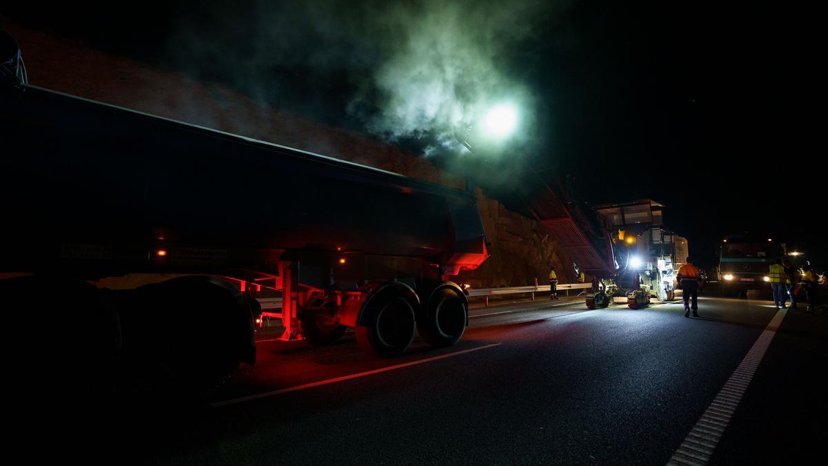 Reasfaltado en la Autopista del Sur de Tenerife (TF-1)