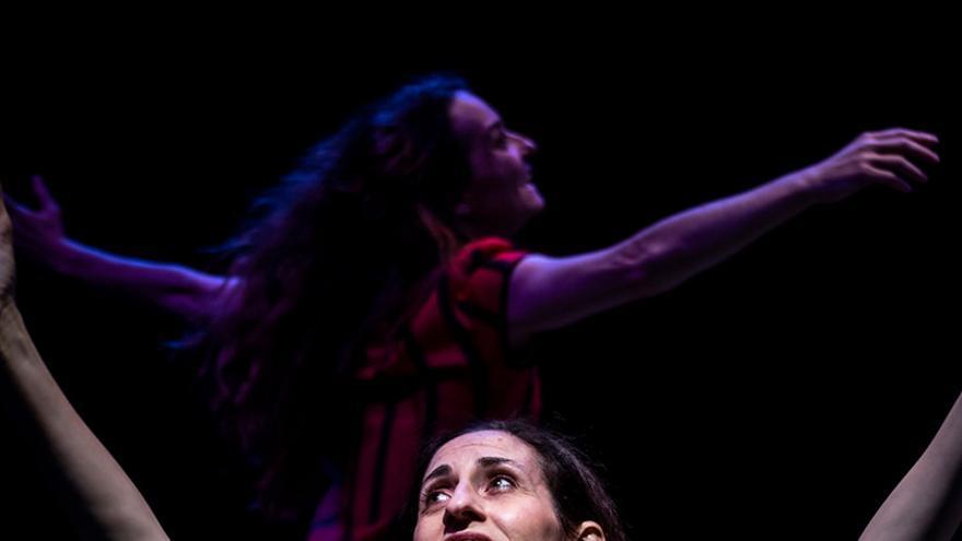 35 Feria de Teatro y Danza -  La Extinta Poética - Convertiste mi luto en danza