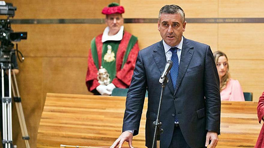 Todos los concejales de Benavites apoyan al alcalde arrestado por malos tratos a su mujer