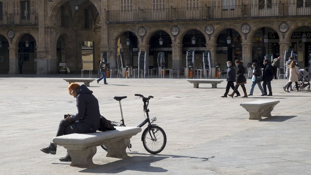 Día de sol en la Plaza Mayor de Salamanca.