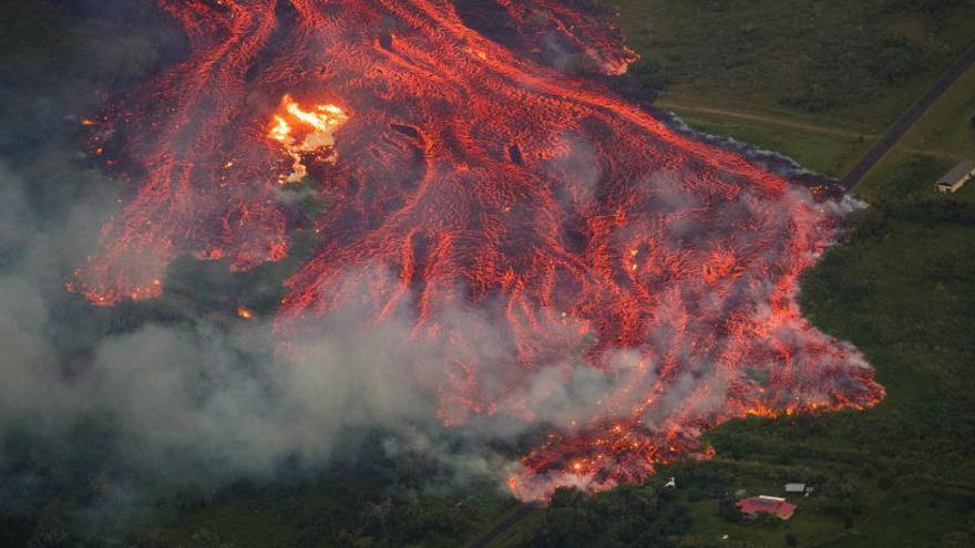 Herido grave por una salpicadura de lava del volcán Kilauea