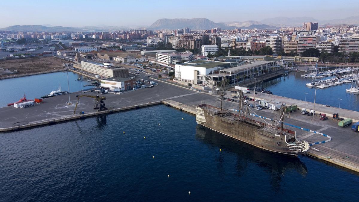 Imagen de una de las zonas del puerto donde se ubicará el futuro palacio de congresos.