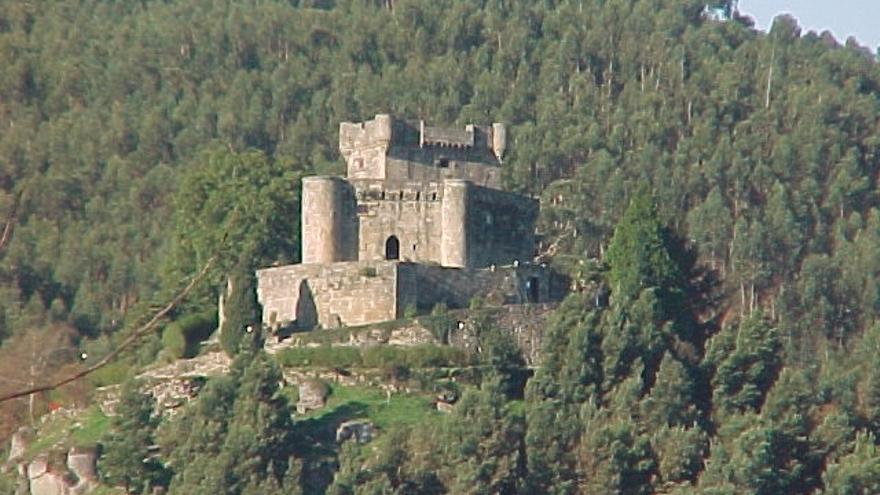 La Diputación inicia el proceso para contratar la musealización del Castillo de Sobroso