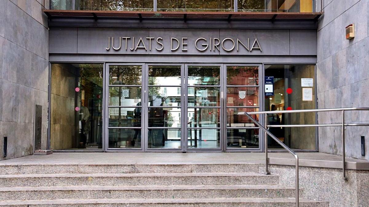 Façana dels jutjats de Girona, on hi ha el jutjat de família, en una fotografia d'arxiu