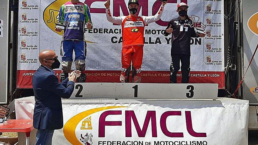 El piloto de Valdesoto Pablo Gutiérrez consolida en Castilla su liderazgo en motociclismo
