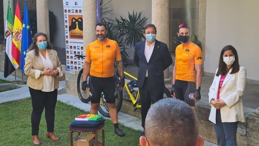 De Mérida a Finiestre en bici para visibilizar el síndrome de Rett