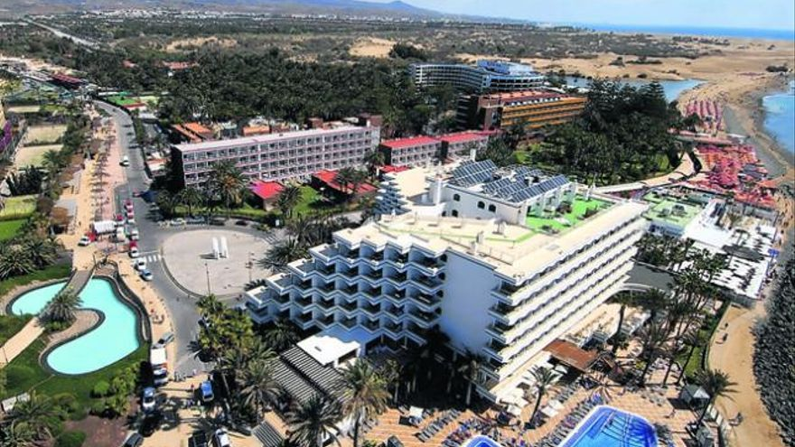 Lopesan ofrece un acuerdo a Riu para crear una zona comercial en el Oasis