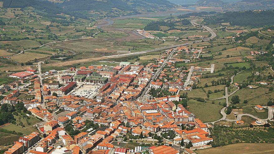 Villaviciosa exige reforzar la red de Cadasa ante el crecimiento de población