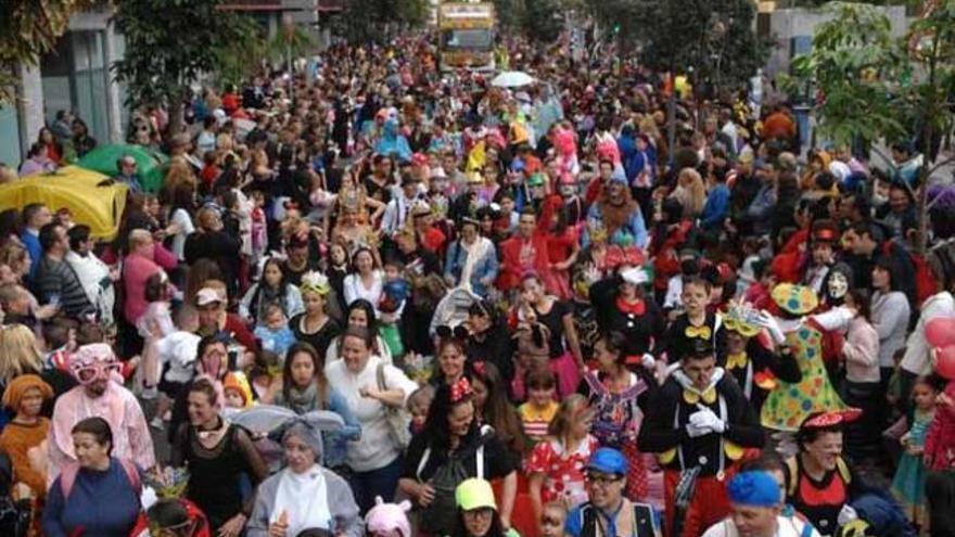 La Gran Cabalgata del Carnaval contará con 120 carrozas y 200.000 mascaritas