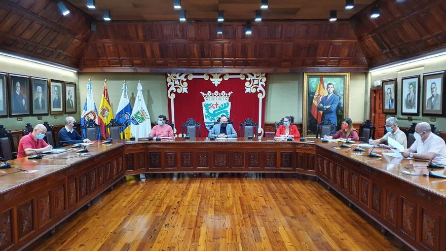 Puerto de la Cruz constituye su primera Mesa del Taxi