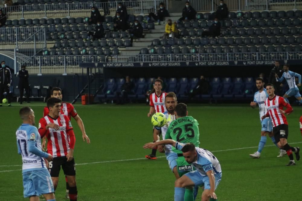 Partido de la Liga SmartBank: Málaga CF - Logroñés.