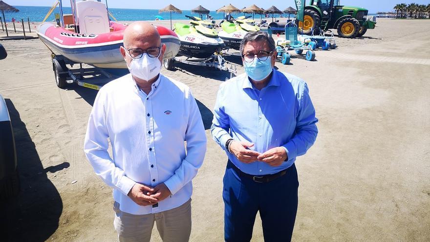 Vélez-Málaga y Torrox inician los dispositivos de socorrismo en las playas