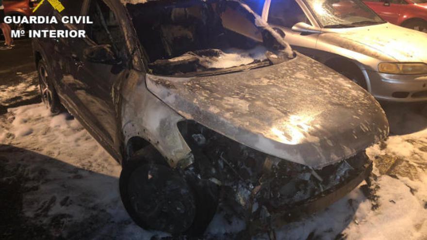 Detenido un hombre por quemar tres vehículos
