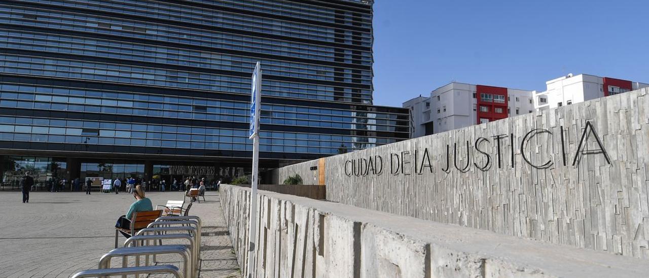 La jueza ordena el internamiento terapéutico de un menor en Gran Canaria por una presunta agresión sexual a su madre