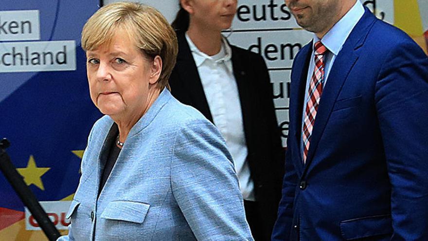 Merkel, obligada a un difícil diálogo para formar Gobierno