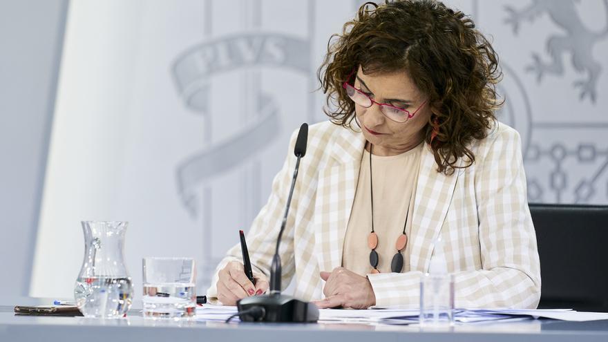 Montero niega que haya un compromiso para eliminar la tributación conjunta