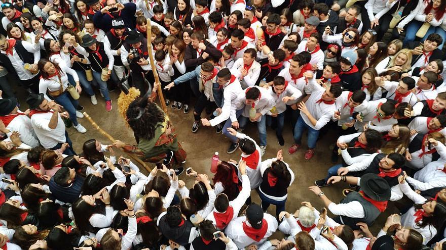 El 'dimoni' del virus contra Sant Antoni