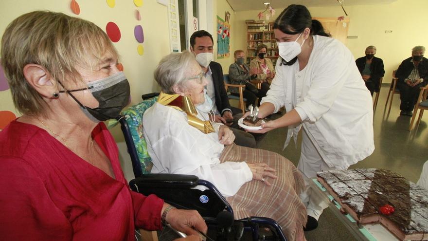 Homenatge a Remei Mateo Gascón, una àvia centenària de Blanes