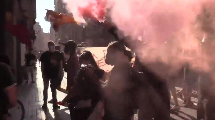 Agreden a los diputados de Vox Ignacio Garriga y Rocío de Meer en el Raval de Barcelona