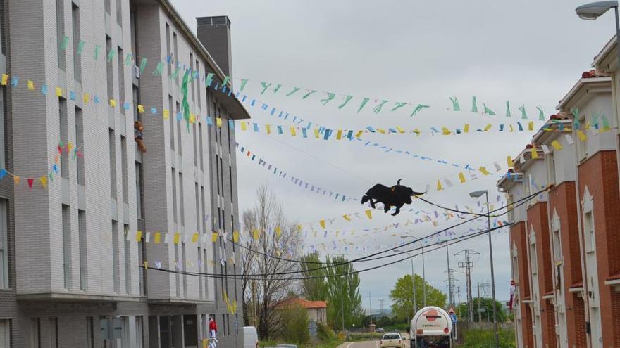 La petición del Toro Enmaromado de Benavente, desde los balcones