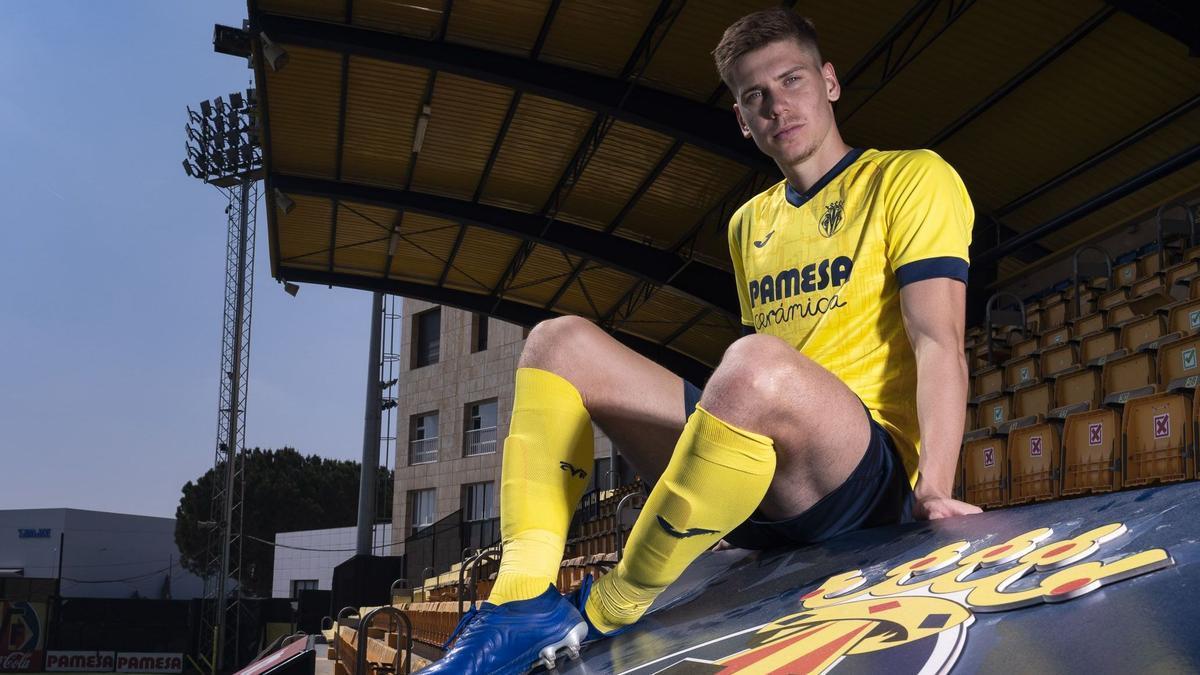 Juan Foyth ya es oficialmente nuevo jugador del Villarreal CF.