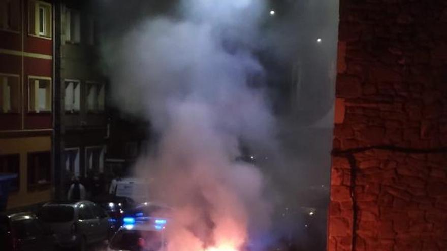 Langreo, en alerta: nuevo ataque con diez contenedores quemados en una noche