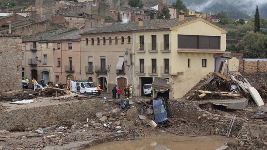 Una gran tromba de agua causa un muerto y cinco desaparecidos