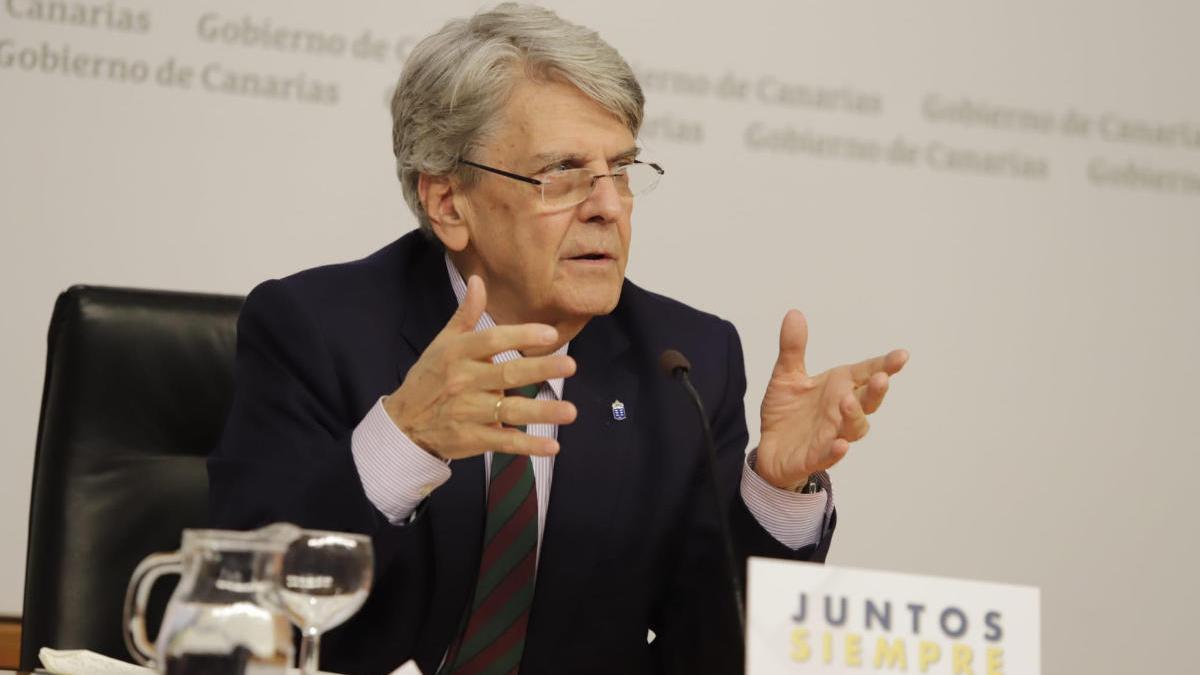 Julio Pérez, portavoz del Gobierno, en la rueda de prensa tras el Consejo de Gobierno