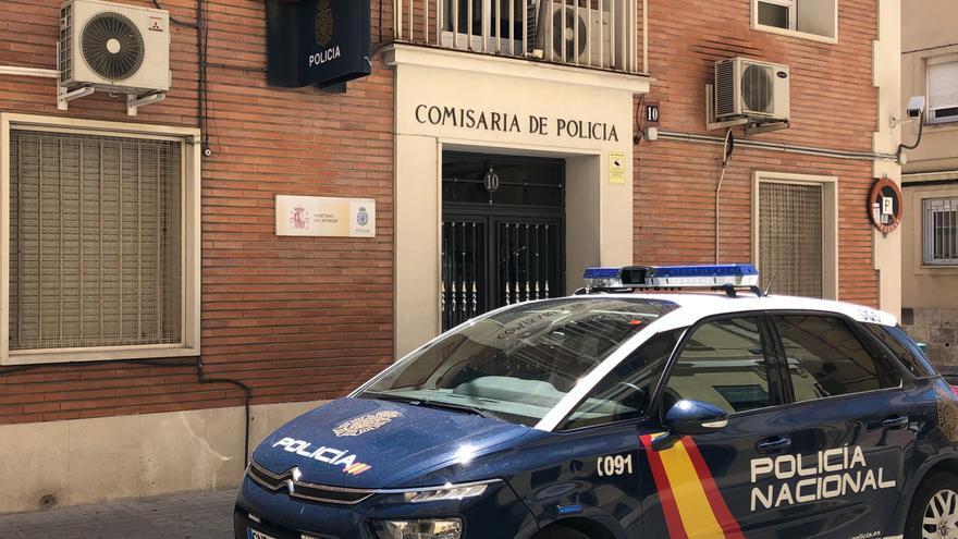 La Policía Nacional detiene infraganti a un hombre robando en el interior de un domicilio en Alcoy