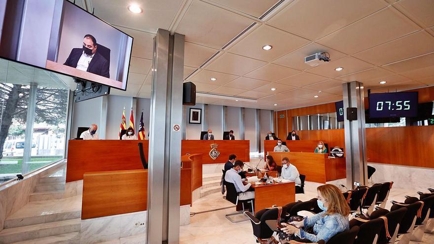 El presidente de Ibiza avisa de que «el grave» problema de las fiestas ilegales «puede ir a más»
