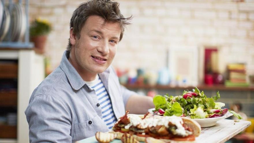 El truco del chef Jamie Oliver para adelgazar 12 kilos comiendo más