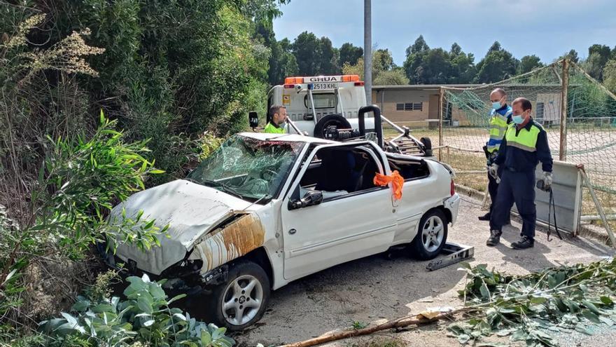 Accidente mortal en Vigo al caer un coche por un desnivel en A Madroa