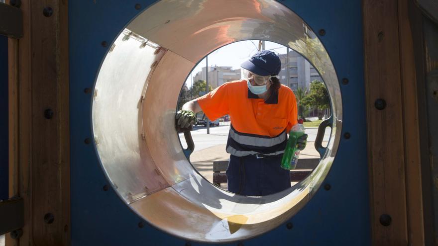 La izquierda reclama más inspectores para garantizar el cumplimiento del contrato de limpieza y soluciones al colapso del vertedero