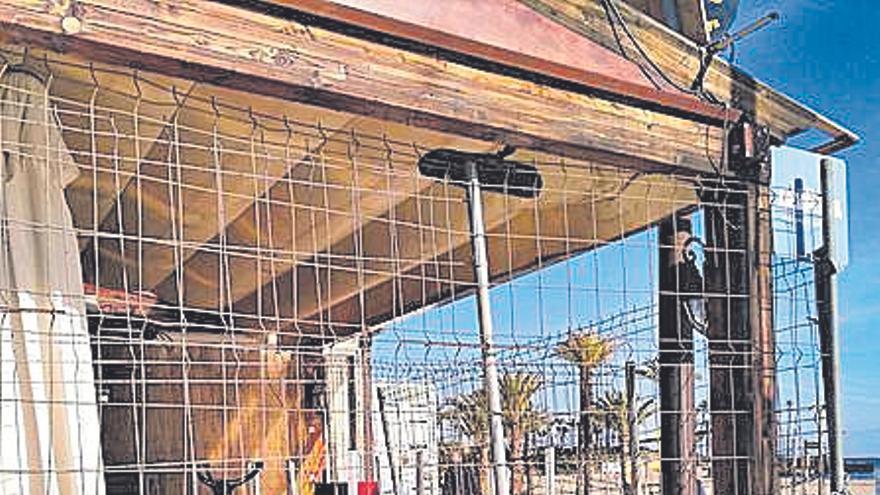 Vacaciones a la fuerza tras perder la terraza en Xàbia