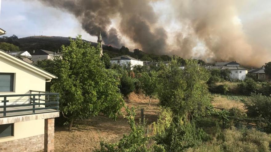 Controlado el incendio en Hermisende, en Zamora
