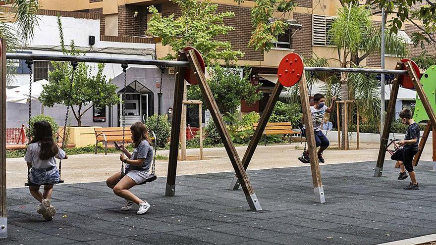 Marzà pide que los niños solo jueguen con sus compañeros de clase fuera del colegio