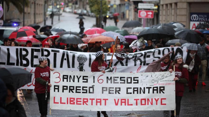 Tausend Menschen demonstrieren für Mallorca-Rapper Valtonyc