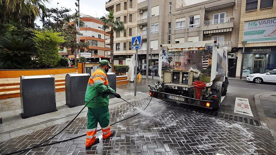 El Ayuntamiento Torrevieja anuló la adjudicación de las basuras sin valorar dos informes de baremación de las ofertas