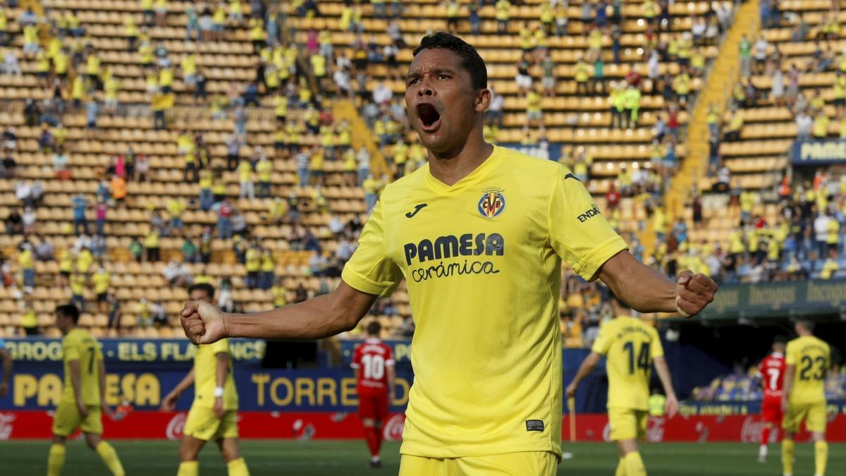 El colombiano Carlos Bacca anotó este pasado domingo ante el Sevilla su tercer 'hat-trick' con el Villarreal.