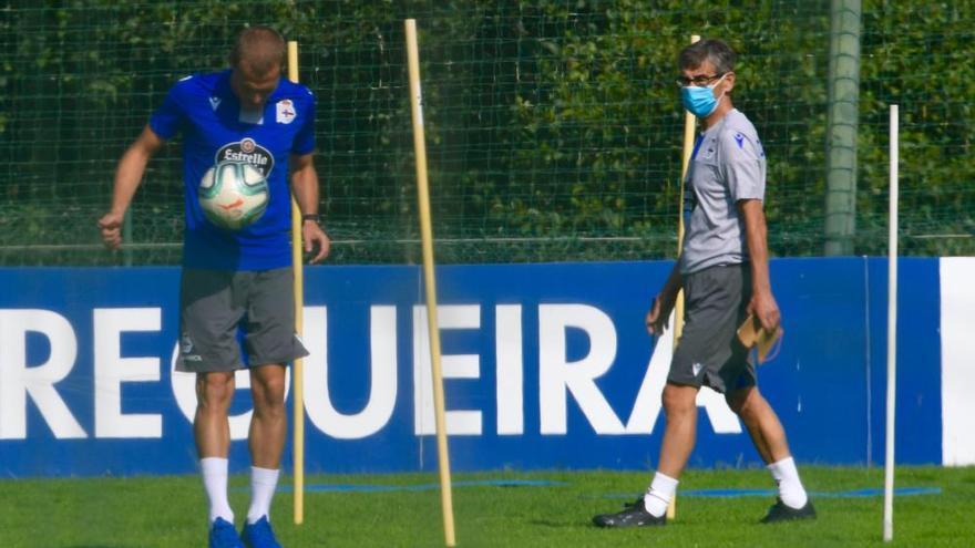 Fernando Vázquez cita a 21 jugadores para jugar mañana contra el Fuenlabrada