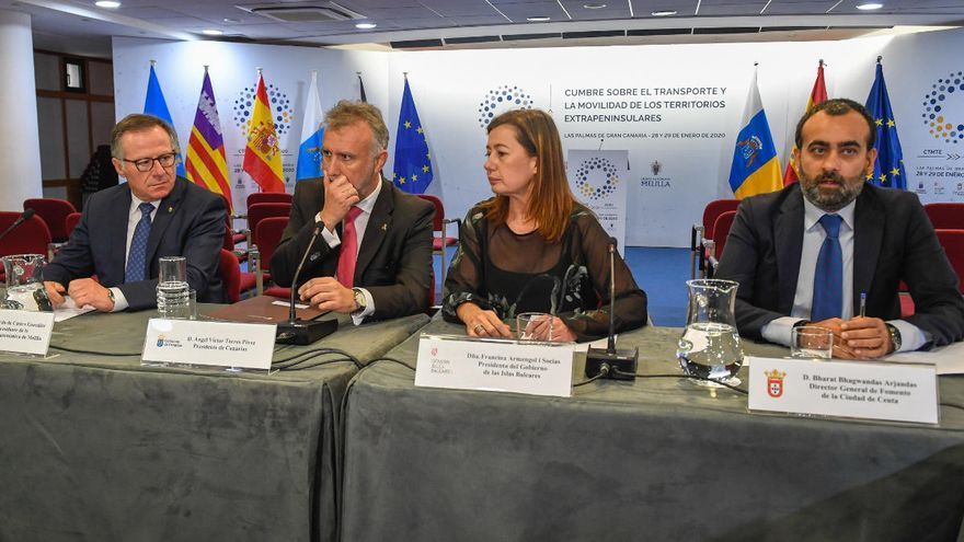Canarias, Baleares, Ceuta y Melilla reclaman al Estado que controle el precio de los billetes aéreos