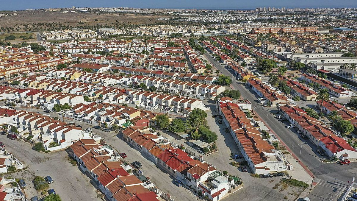 Aerial image of Torreta III, next to the pink lagoon of Torrevieja.