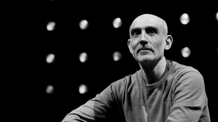 Alfredo Sanzol: «En España hemos tenido la suerte de no tener los teatros cerrados a cal y canto»