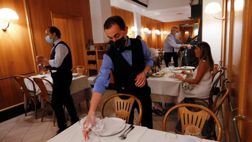 Itàlia imposarà restriccions als no vacunats contra la covid-19 per accedir a bars, restaurants o cinemes