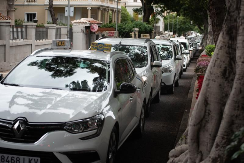 Segunda caravana de taxistas por Santa Cruz de Tenerife