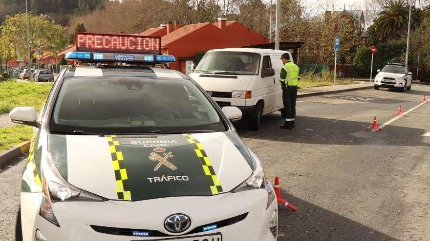 La Guardia Civil controlará en solo cuatro días unas 5.000 furgonetas en Galicia