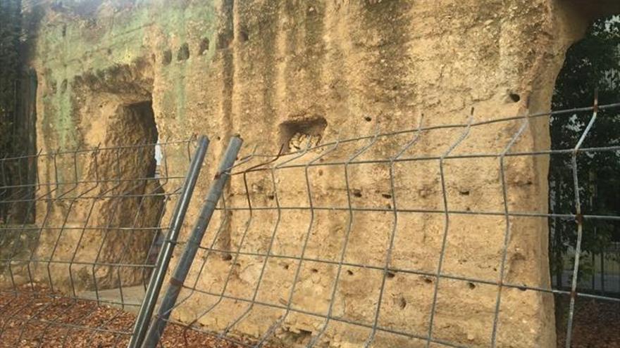 El PP exige el arreglo de la muralla de la plaza del Gamo