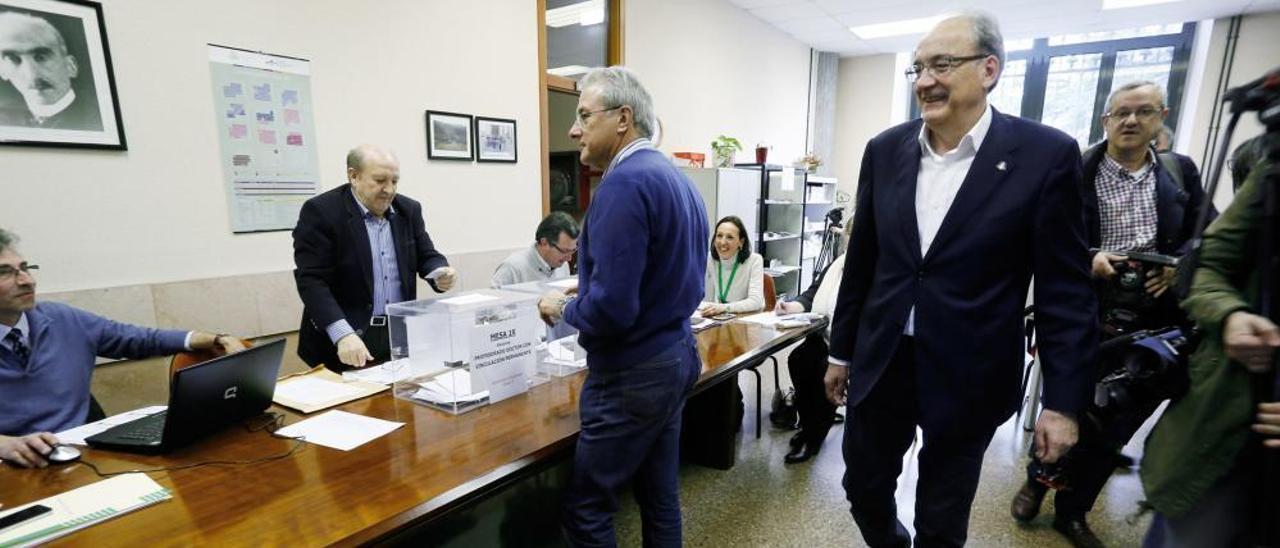 Elecciones al rectorado en la Universidad de Oviedo en el año 2016.