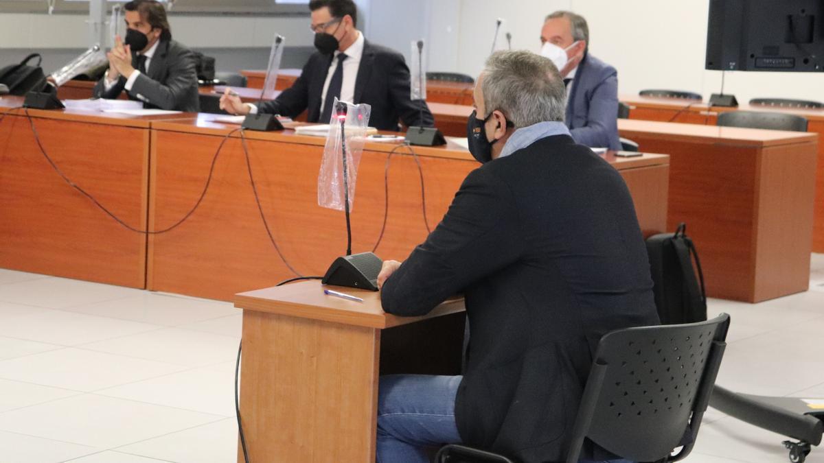 El cirujano Luís Senís, en el juicio por la negligencia médica.